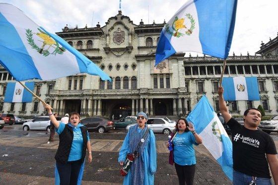 Cierra en Guatemala campaña electoral opacada por crisis que derrumbó a Pérez