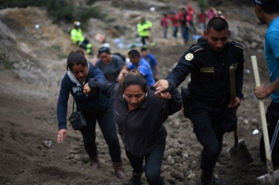 Reinician tareas de rescate en alud que dejó unos 600 desaparecidos en Guatemala
