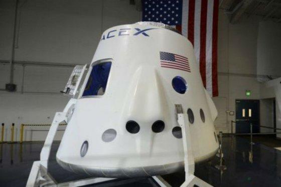 Nasa confirma que SpaceX llevará astronautas a Estación Internacional