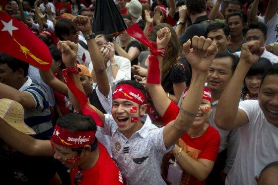Birmanos esperan resultados de elecciones democráticas, tras 49 años de dictadura militar