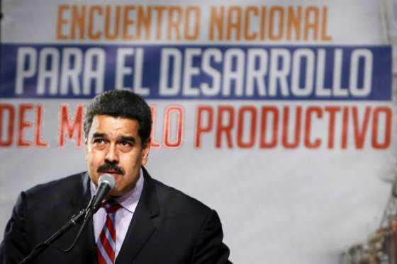 Nicolás Maduro acusa a oposición parlamentaria de darle la «espalda» a Venezuela
