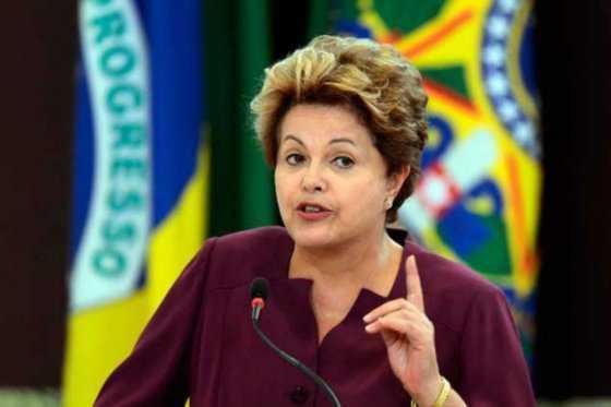 'Me quieren derrocar para acabar con planes sociales': Dilma Rousseff