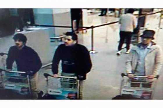 Difunden imágenes de dos presuntos terroristas suicidas en aeropuerto de Bruselas
