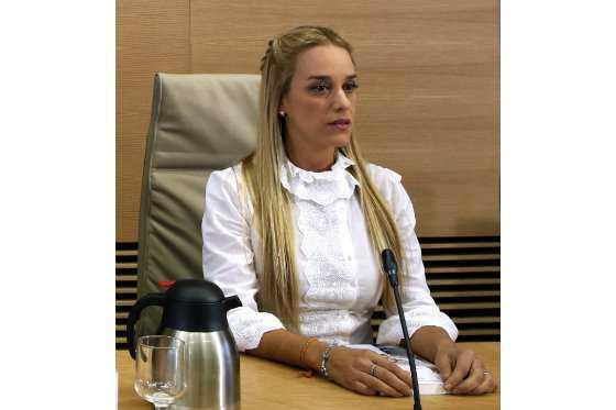 Lilian Tintori, esposa de Leopoldo López, pide apoyo internacional para ley de amnistía de Venezuela