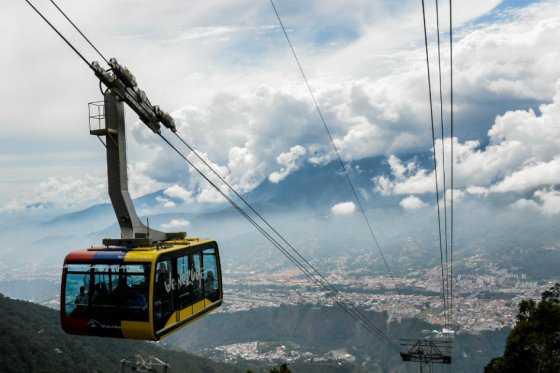 Venezuela reinaugura el teleférico «más alto y largo del mundo»
