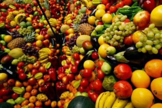 Suben precios mundiales de alimentos por tercer mes consecutivo, según la FAO