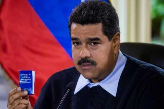 Maduro restringe por decreto que el Parlamento remueva a sus ministros