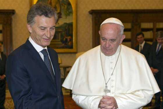Papa rechaza millonaria donación de Mauricio Macri y acentúa discordia