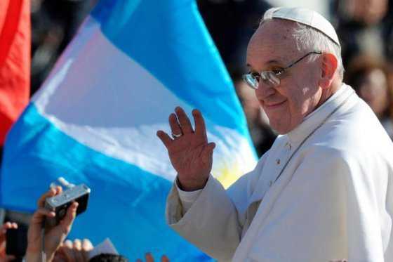 Papa pide a Dios que defienda a argentinos de «todo tipo de colonizaciones»