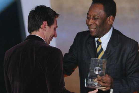 Pelé pide a Messi que reconsidere su decisión de dejar la selección