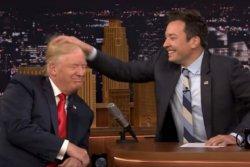 ¿Es real el cabello de Trump o usa peluquín? Jimmy Fallon revela el misterio