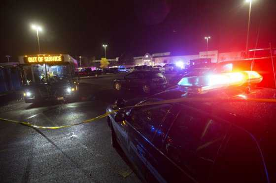 Buscan a sospechoso de tiroteo que dejó 5 muertos en Washington