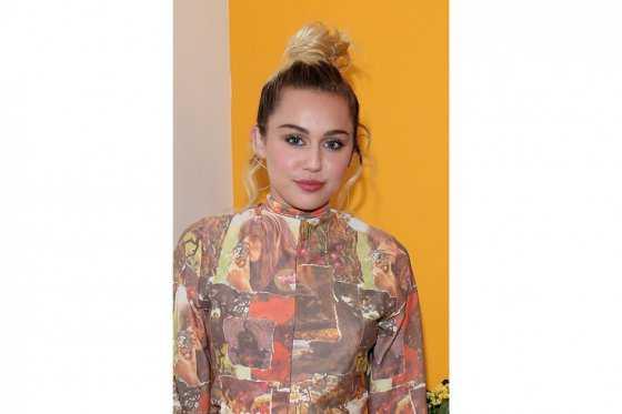 'Una vez comprendí mi género, comencé a entender más mi sexualidad': Miley Cyrus
