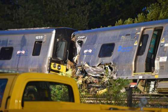 Tren se descarrila en Long Island (EE.UU.) y deja una treintena de heridos