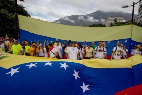 Oposición venezolana rechaza fallo que a su juicio prohíbe protestas