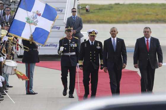 Obama llegó a Atenas en primera etapa de su última gira internacional