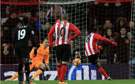 Sunderland igualó 2-2 con Liverpool y le cortó su racha ganadora