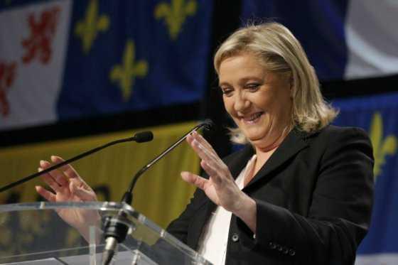 Le Pen quiere restringir el acceso a la seguridad social para los extranjeros