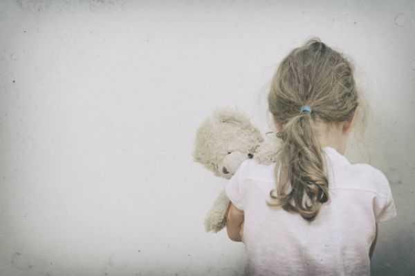Pederasta español condenado a más de 70 años de cárcel por abusar de cuatro niñas