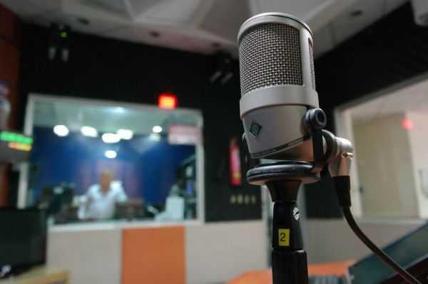 Asesinan a locutor y a director de emisora dominicana en plena transmisión en vivo