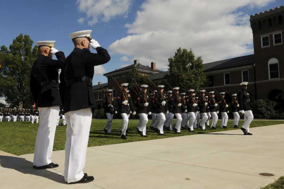 Escándalo en Marines de EE.UU. por difusión de fotos de compañeras desnudas
