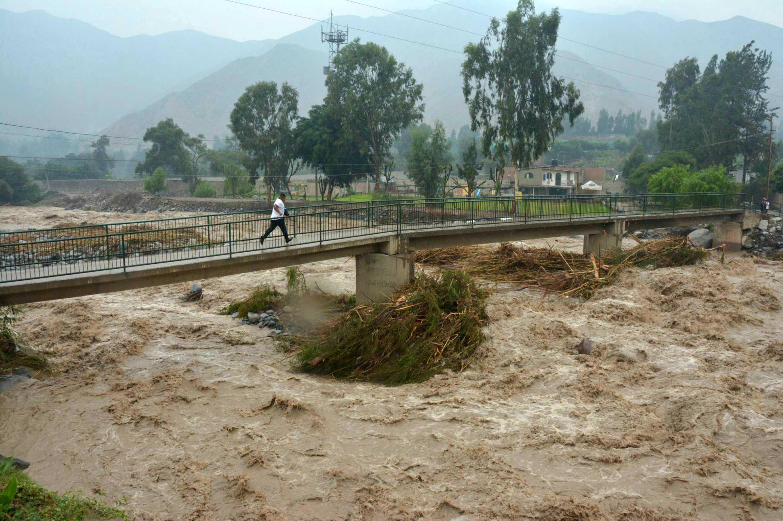 Por inundaciones, Perú está al borde de una emergencia sanitaria