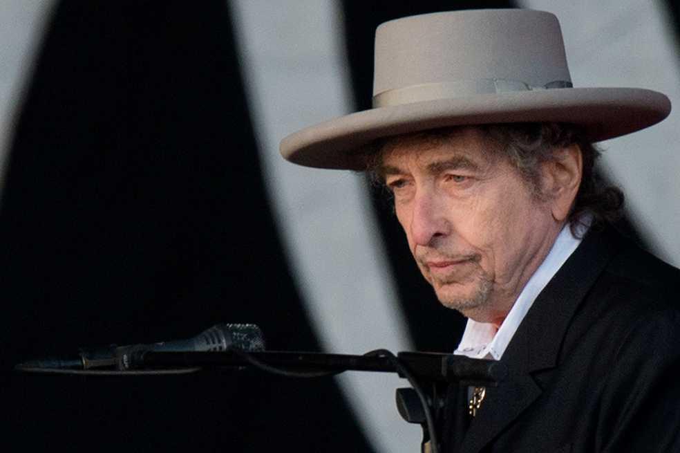 Bob Dylan recibe su premio Nobel de Literatura en Estocolmo