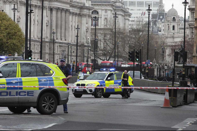 La policía británica asegura que desmanteló una célula terrorista activa