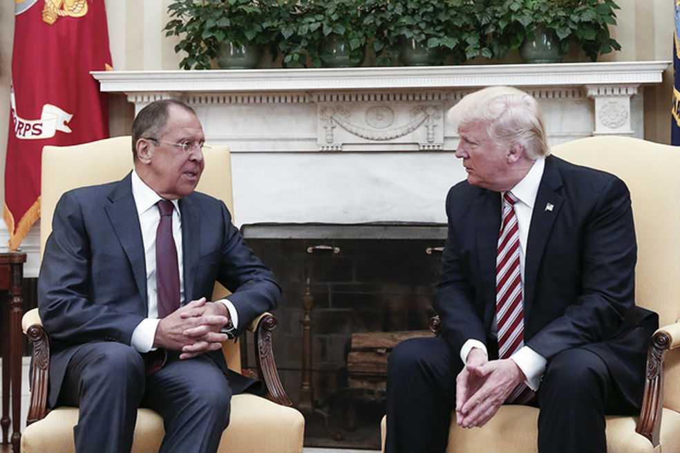 Trump afirma que tiene «derecho» a compartir información con Rusia