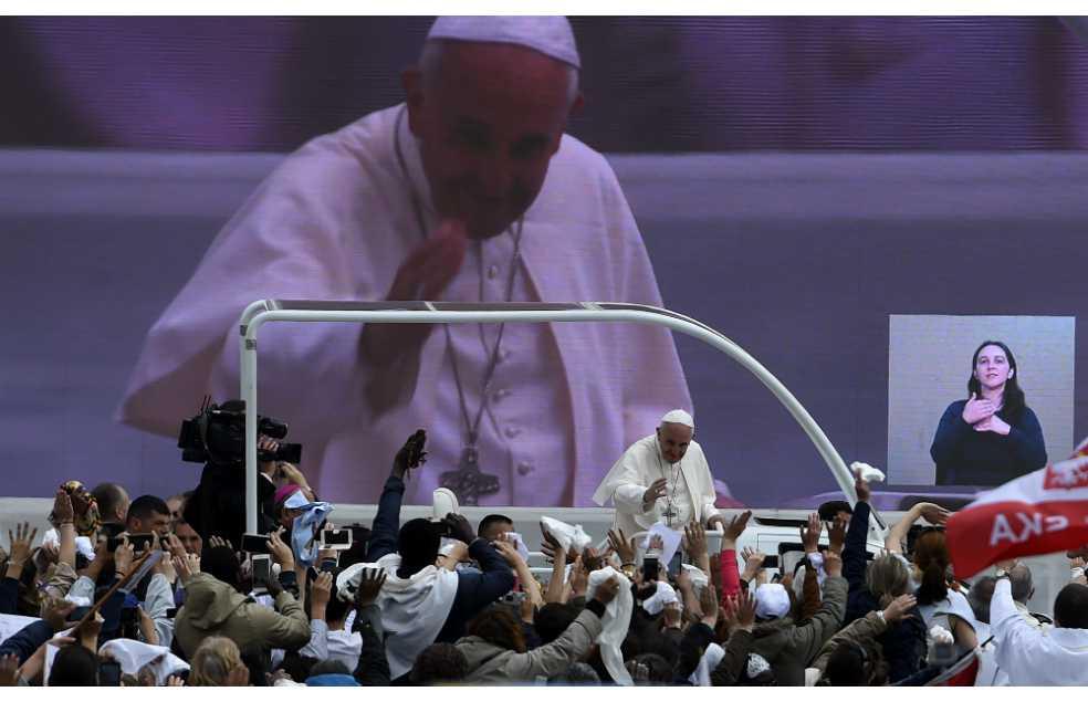 El Papa Francisco convierte en santos a dos pastorcitos de Fátima