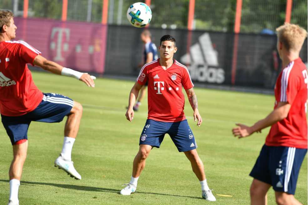 James realizó su primer entrenamiento con el Bayern Múnich