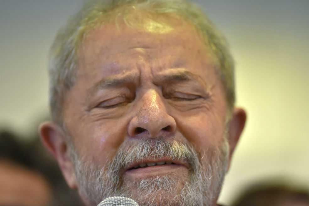 Juez ordena congelar los bienes de Lula