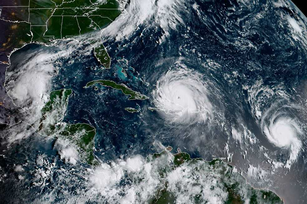 Huracán José se fortalece a categoría 4 y se hace «extremadamente peligroso»