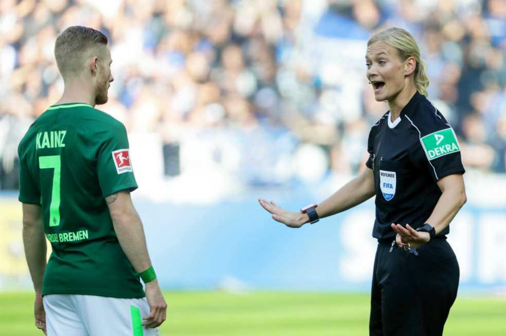 Bibiana Steinhaus tuvo un debut histórico y sin polémicas en la Bundesliga