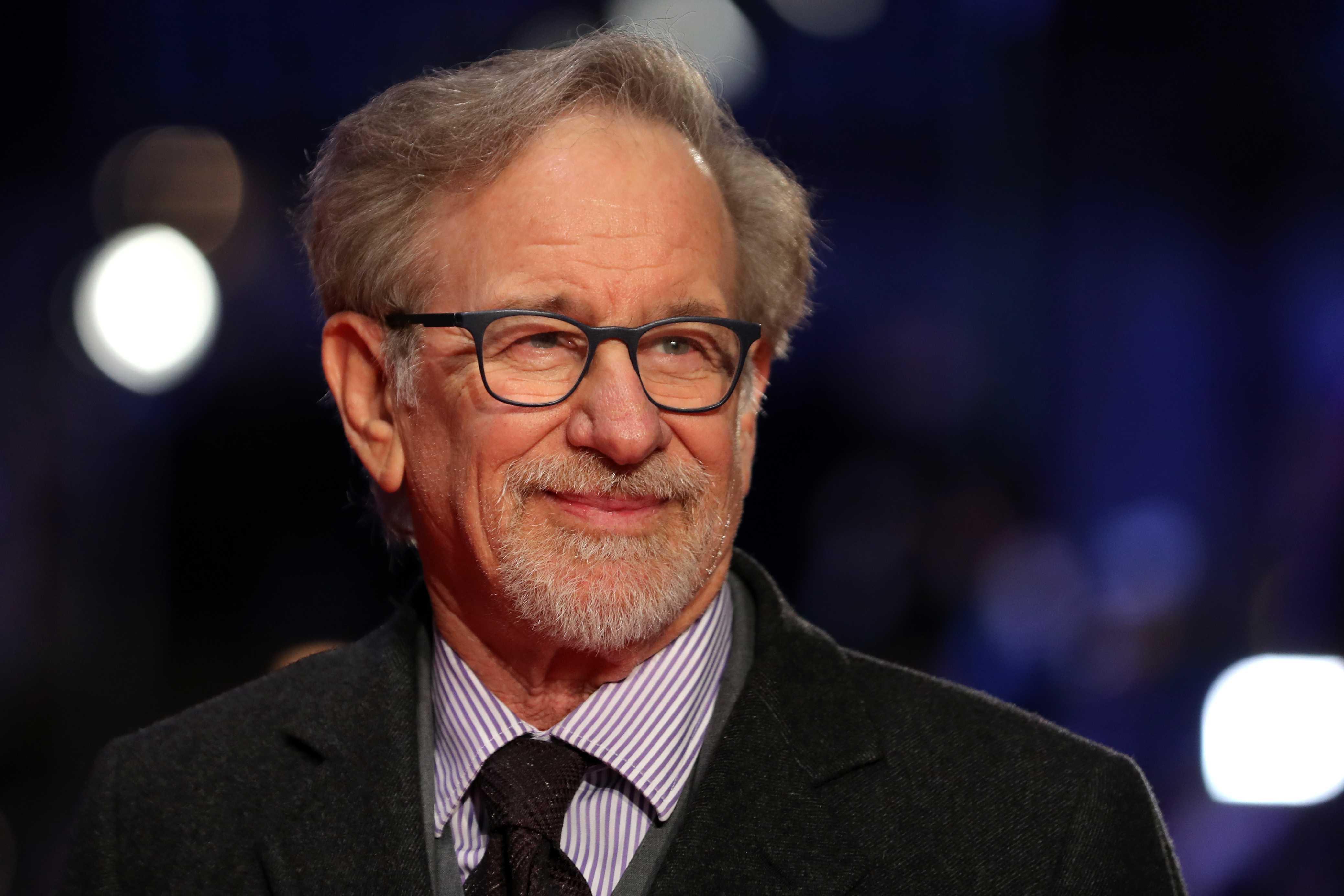 Steven Spielberg busca actores que hablen español