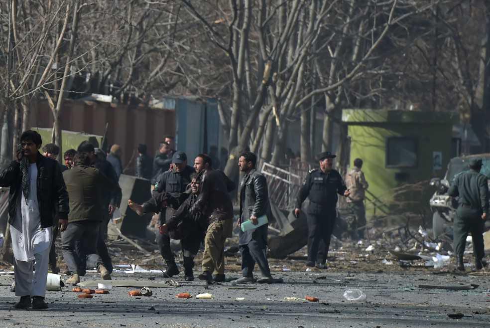 95 muertos, hasta ahora, deja atentado con ambulancia bomba en Kabul