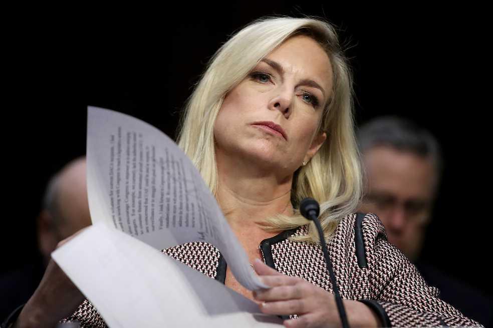 Secretaria de Seguridad Nacional niega que Trump dijera «agujeros de mierda»