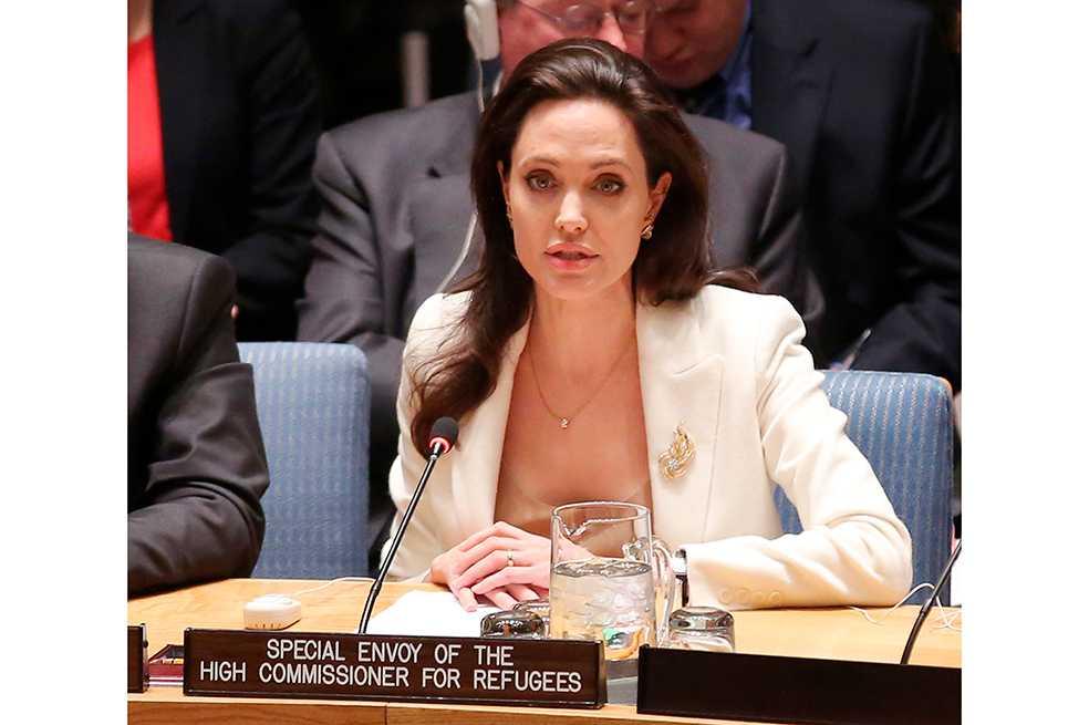 Angelina Jolie vuelve a defender a sirios y dice que están cansados de «promesas vacías»