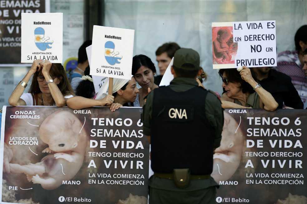Argentina abre por primera vez debate parlamentario para legalizar el aborto