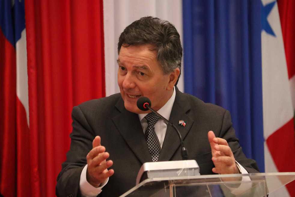 Chile considera que Unasur «no conduce a nada»