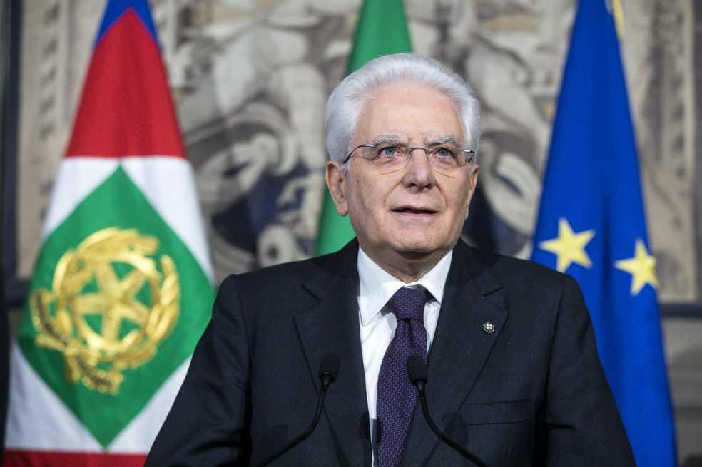 Presidente italiano propone gobierno «neutro» hasta diciembre para salir de bloqueo político