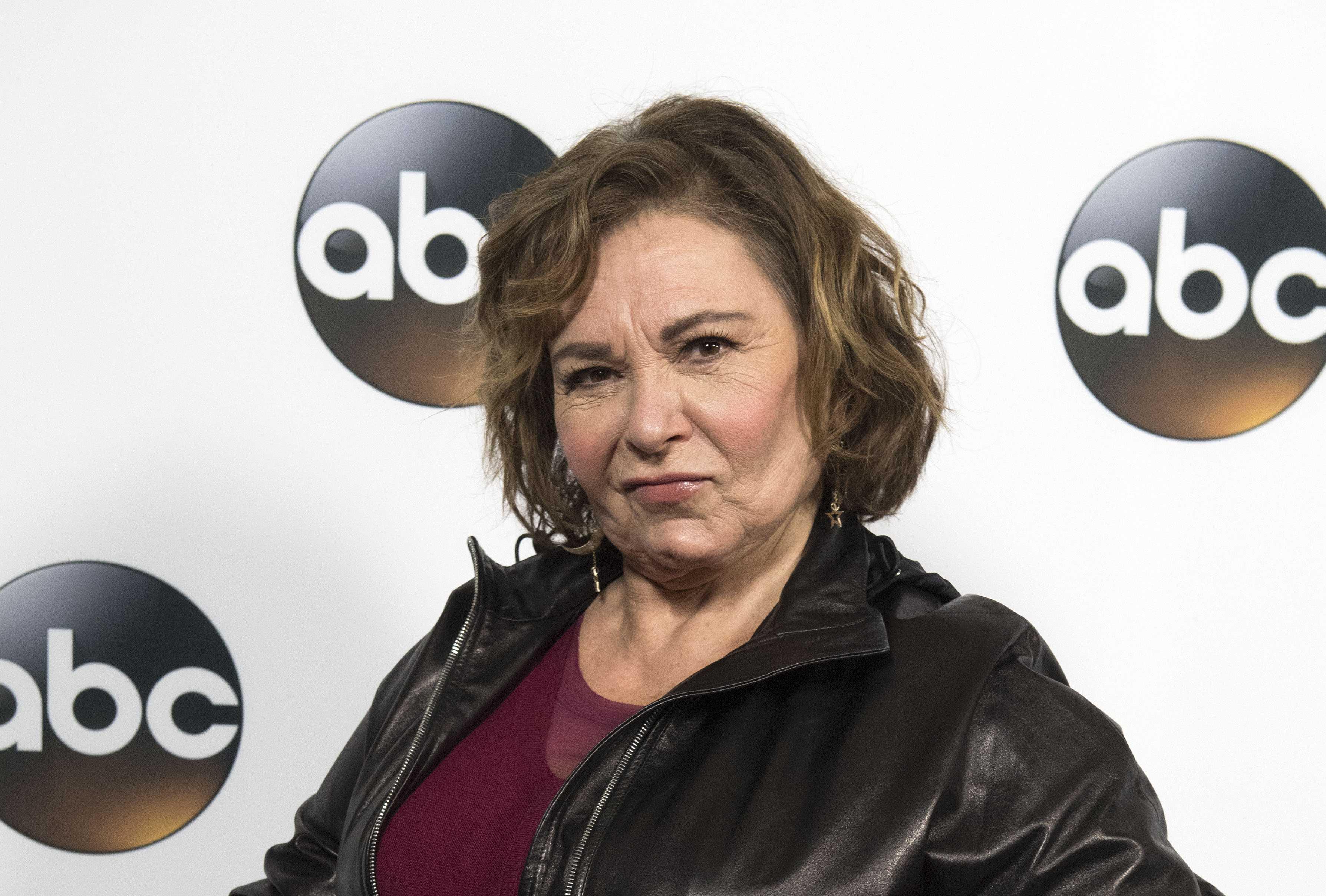 Roseanne Barr dice que fue racista con exasesora de Obama por culpa de somníferos