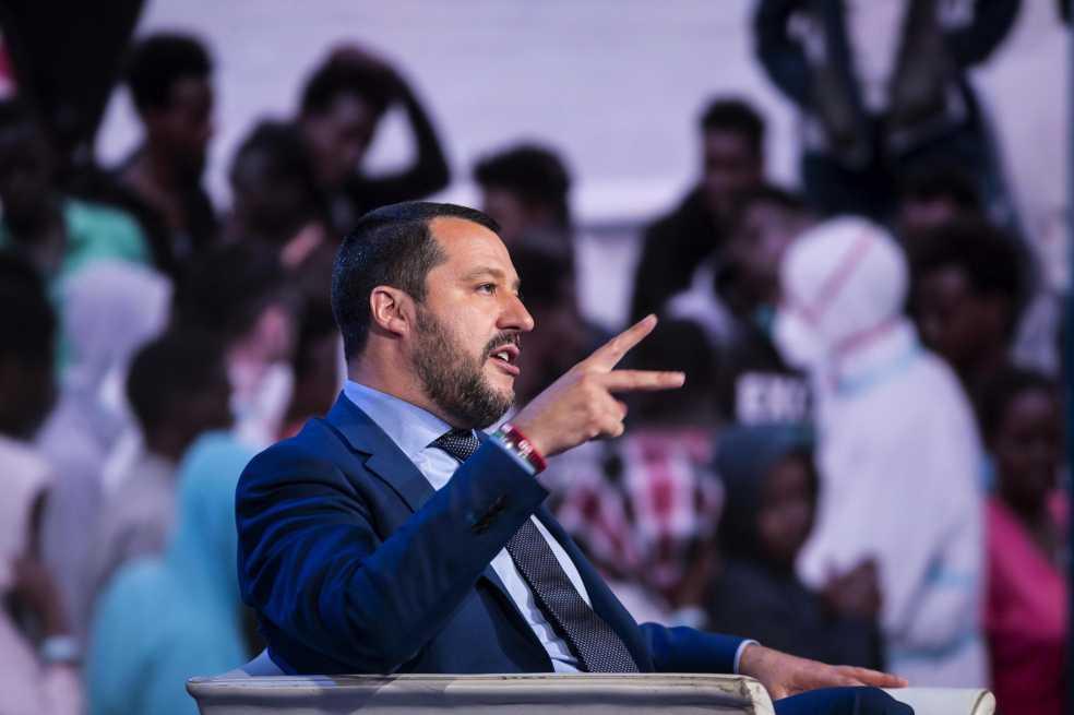 Gobierno italiano busca quitarle escolta a Roberto Saviano, autor de Gomorra