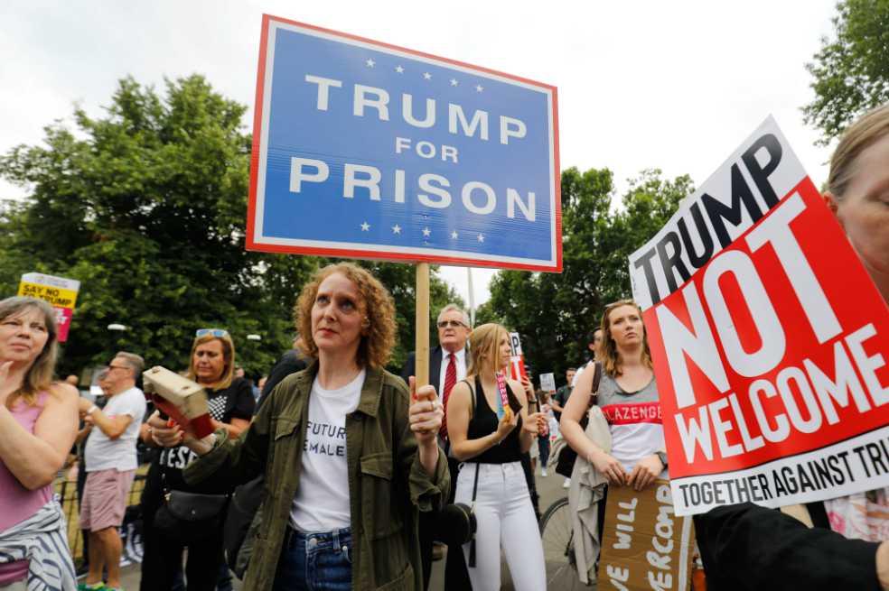 En Reino Unido reciben a Trump con 'American Idiot' de Green Day