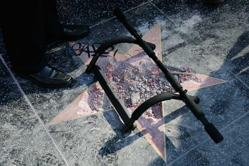 Vandalizan estrella de Trump en Hollywood por segunda vez en menos de dos años