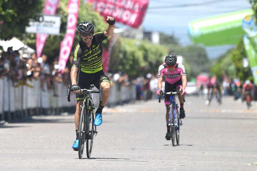 José Serpa ganó la etapa número 11 de la Vuelta a Colombia