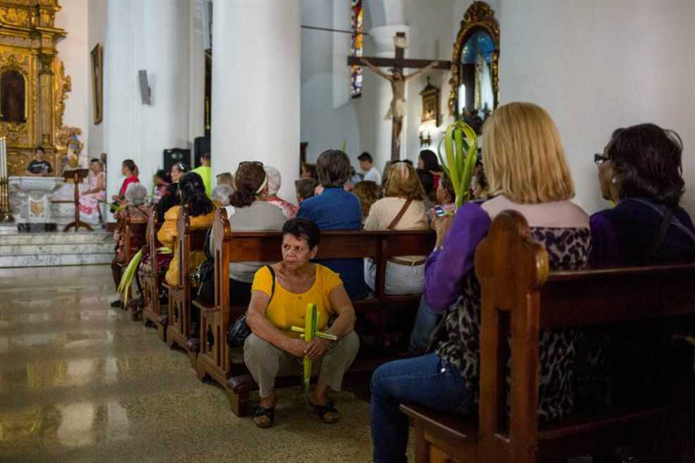 "Iglesia venezolana acusa al gobierno de Maduro de usar ""violencia represiva"""
