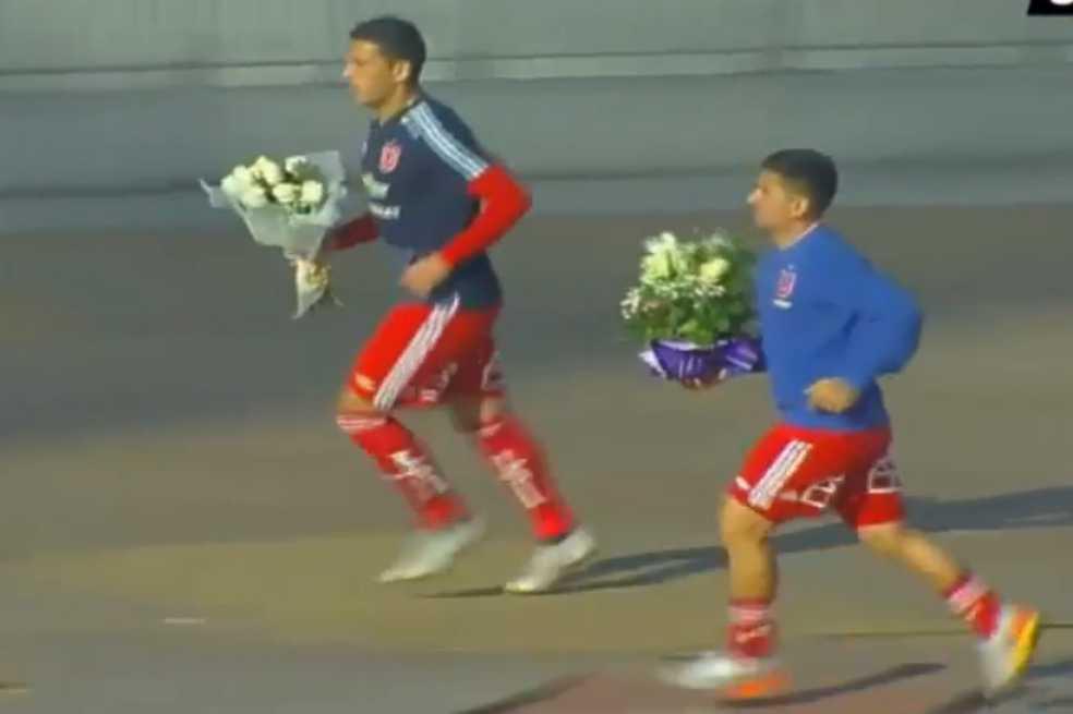 Jugadores de la U de Chile rinden homenaje a las víctimas de la dictadura