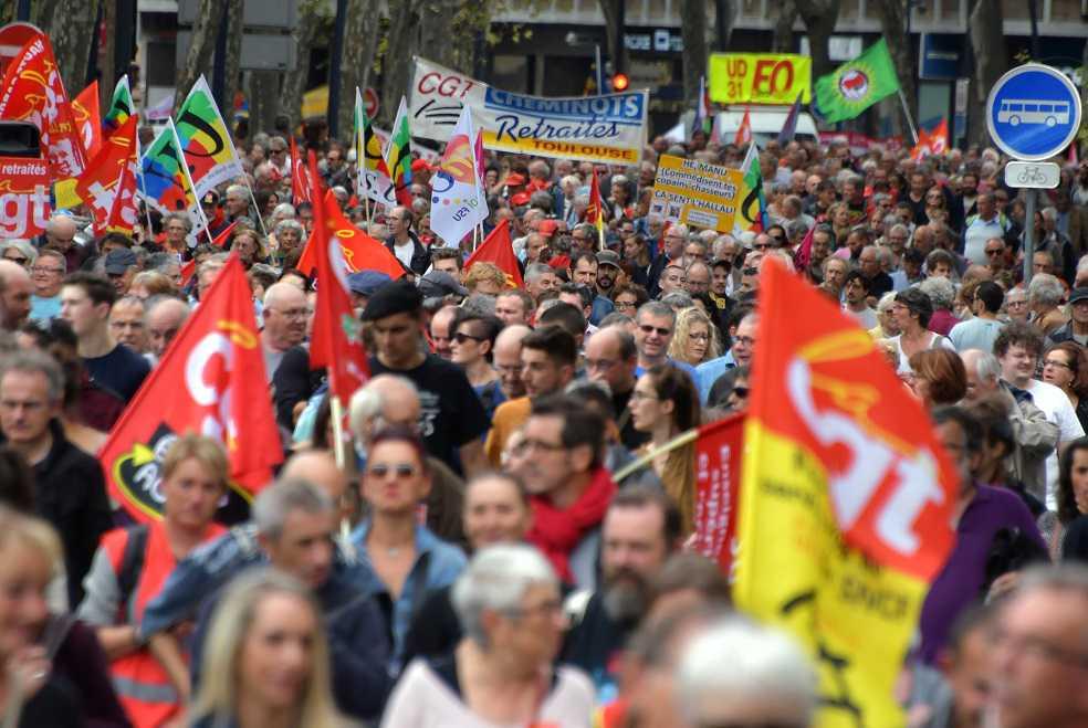 200 protestas contra la política social de Macron en Francia