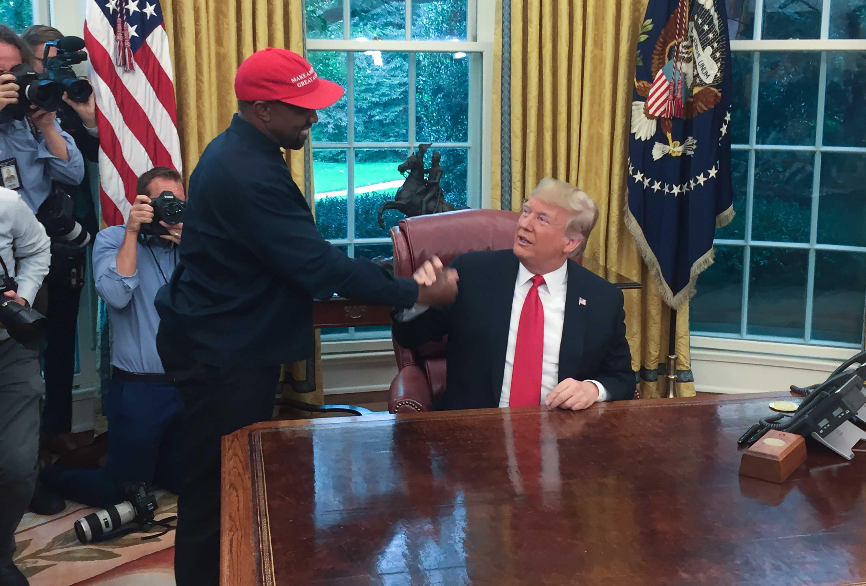 Kanye West dice que se alejará de la política tras sentirse «utilizado»